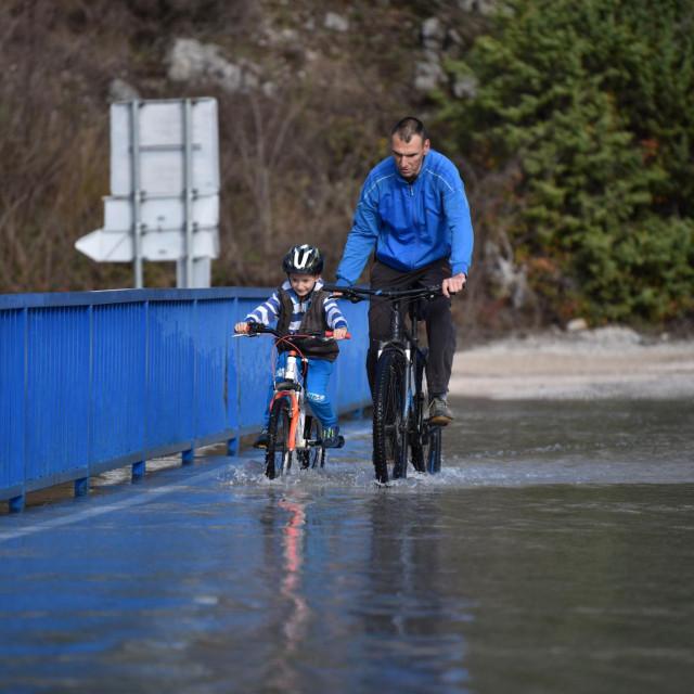Gotovo dva tjedna obilazit će se područje pogođeno nedavnim povodnjem