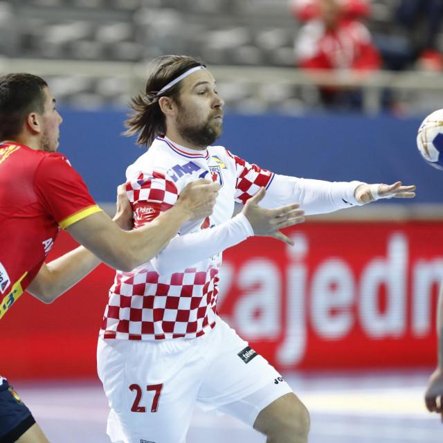 Ivan Čupić se vratio u dres reprezentacije, te protiv Španjolske u Poreču postigao 3 pogotka u pobjedi 31:28 foto: Matija Đanješić / CROPIX