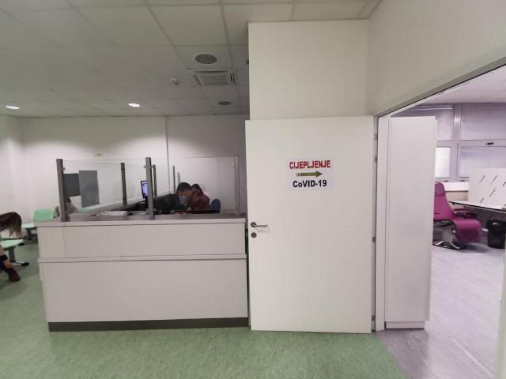 U OB Zadar započelo cijepljenje zdravstvenih djelatnika