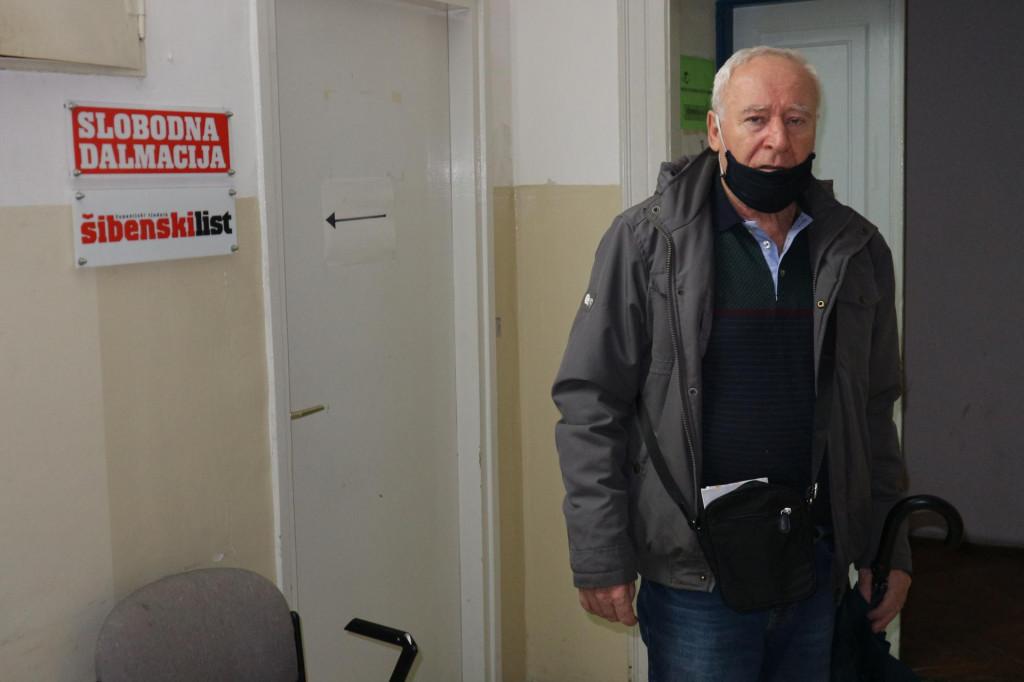 Krešo Šaran poslao je 23. prosinca iz drniške pošte paket svojim unucima u Zagreb... Još nije stigao...