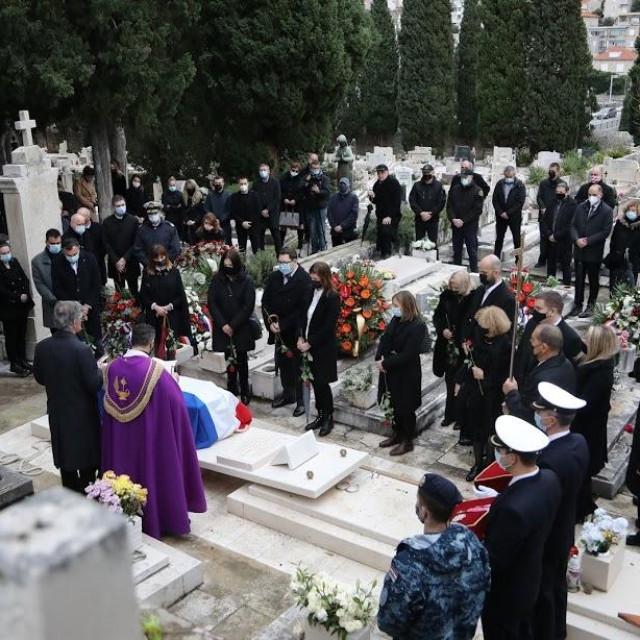 Sprovod generala Nojka Marinovića 6. siječnja 2021. na Boninovu