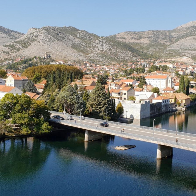 U samom središtu Trebinja Dubrovčani kupuju i stare i nove stanove