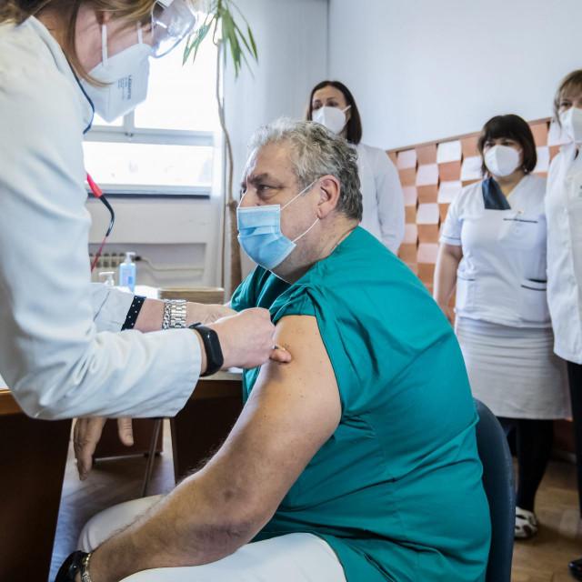 Cjepivom Pfizer/BioNTech cijepe se rizične skupine