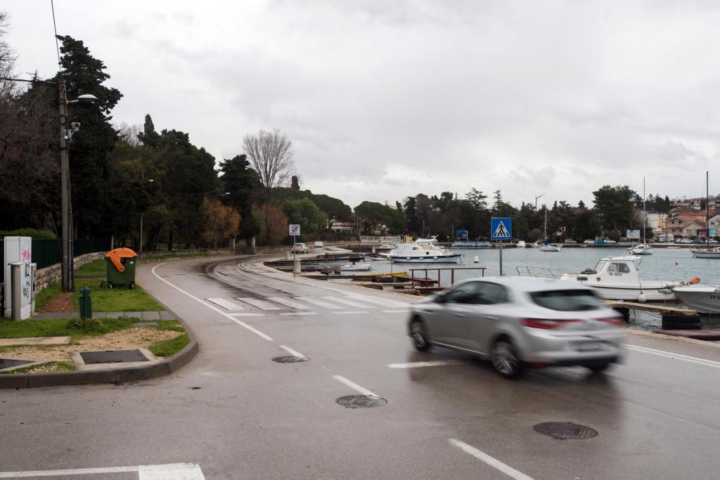 Na Obali kneza Trpimira kod MIOC-a postavljene su kamere za kontrolu brzine vožnje