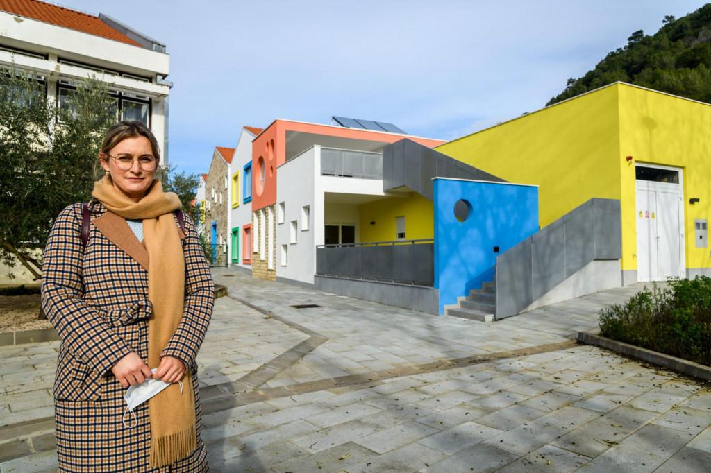 Roditelji iz Skradina među kojima je i Angela Lucić Đira pitaju se kada će biti otvoren novi dječji vrtić