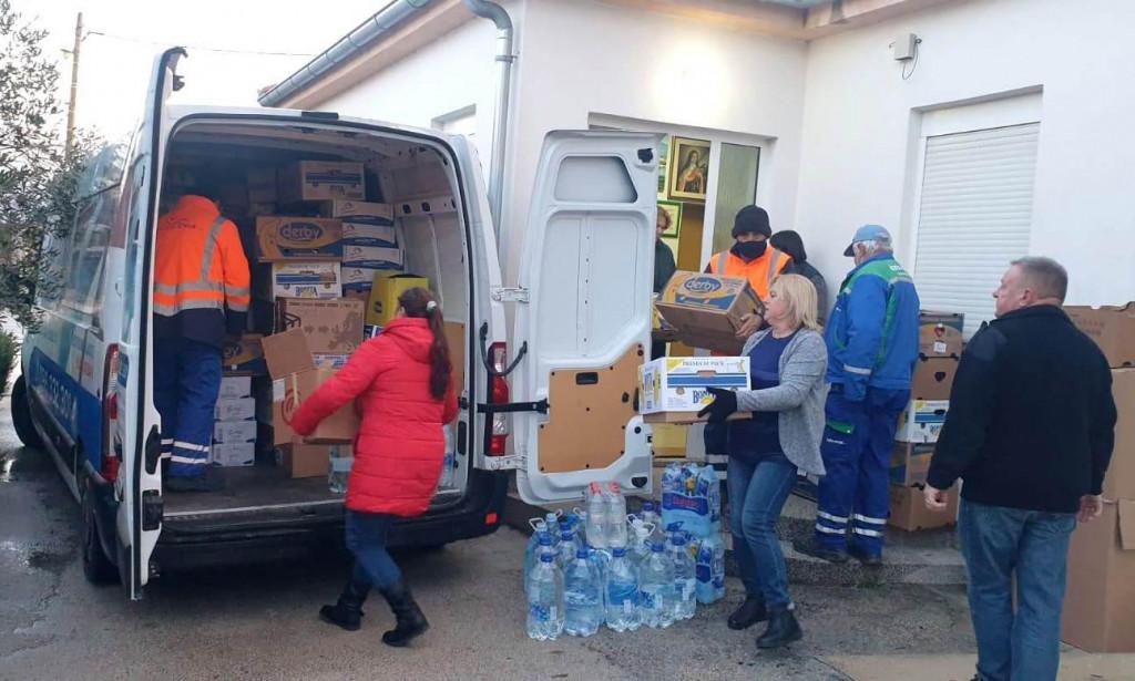 Humanitarna pomoć odnesena je u Hrastovicu kod Petrinje, Glinu i Kostajnicu
