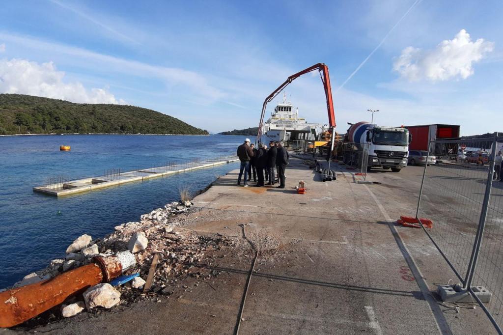 Župan Dobroslavić obišao radove na lukama u Orebiću i Korčuli