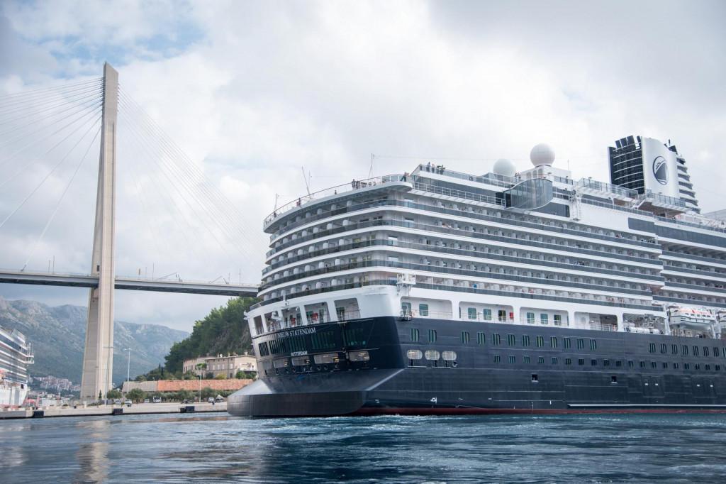 Holland America Line kruzerska je kompanija koja je često navraćala u Dubrovnik