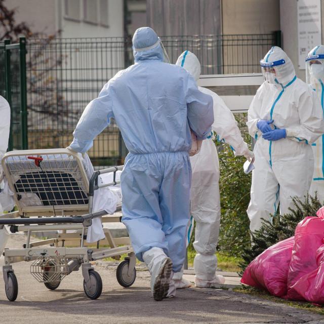 Na bolničkom liječenju nalaze se 124 COVID pozitivne osobe u KBC-u Split dok se 5 osoba nalazi na respiratoru