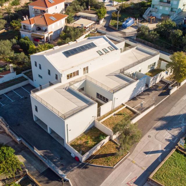 Pogled iz zraka na novoizgrađeni pedagoški objekt od ukupno 712 četvornih metara