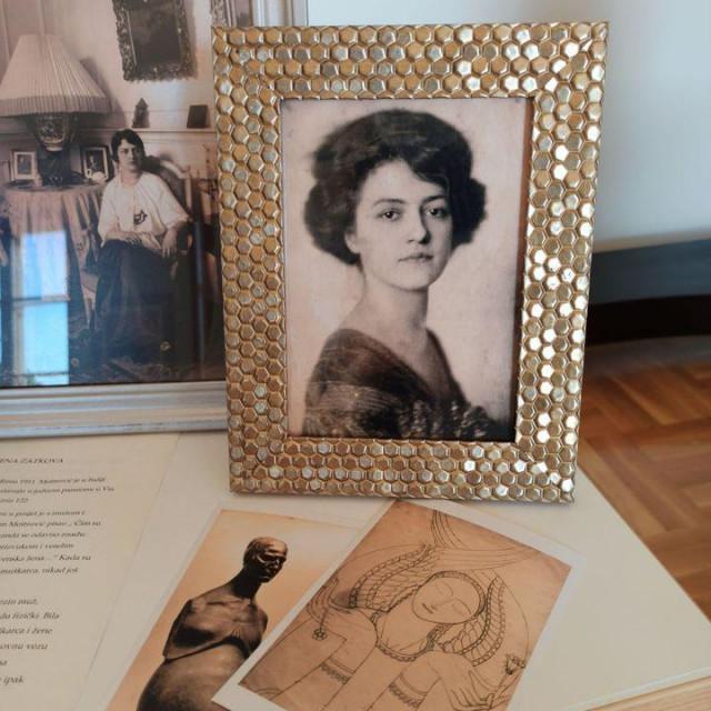 Strastvena ljubav prema Ruženi Zadkovoj pratila je Meštrovića sve do njezine smrti od tuberkuloze 1923.