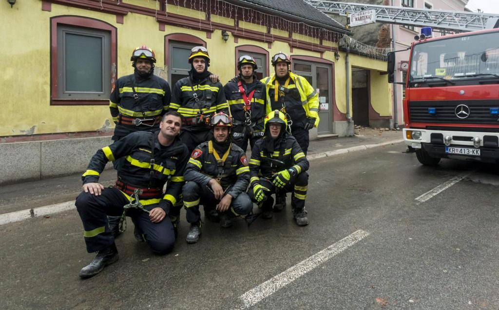 Vatrogasci iz JVP Šibenika, Knina i Drniša u Glini