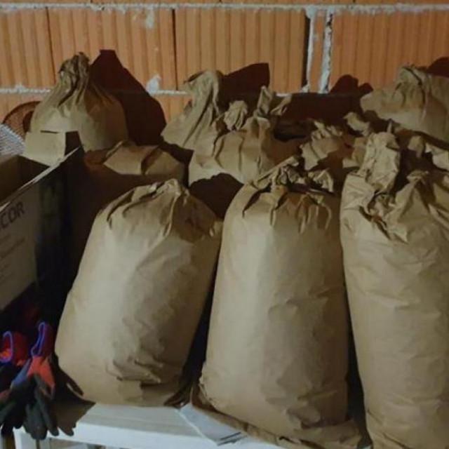 Droga je pronađena u vrećama