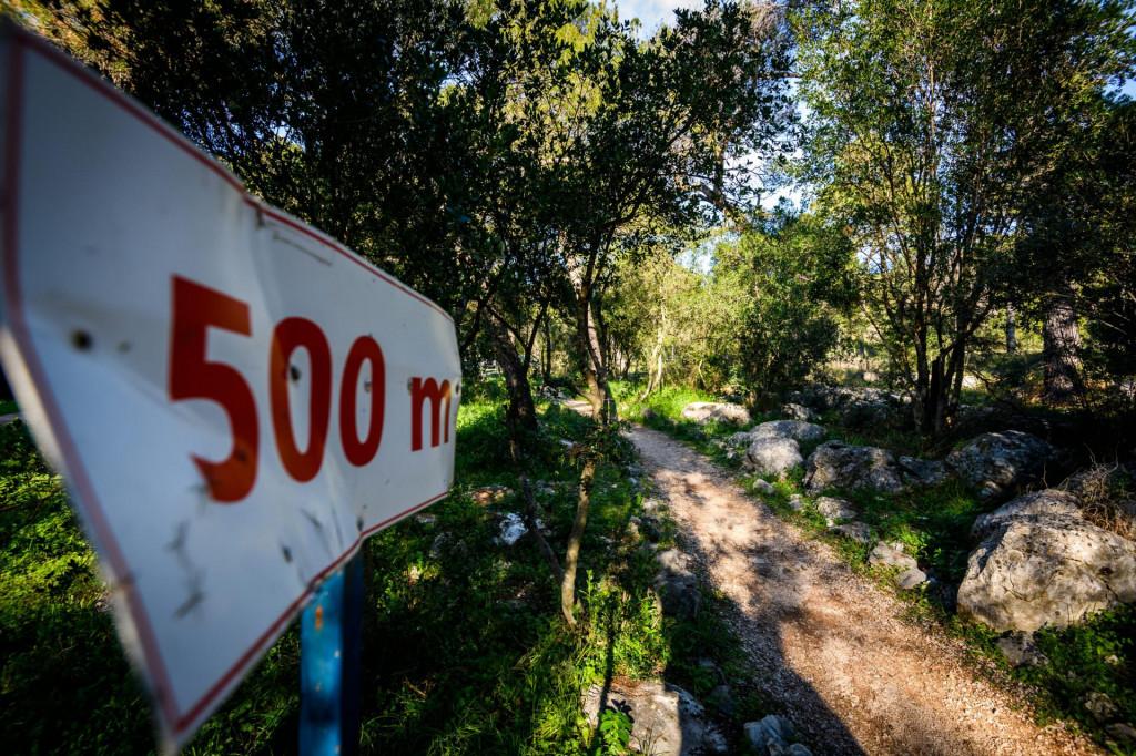 Trim staza u park šumi Šubićevac