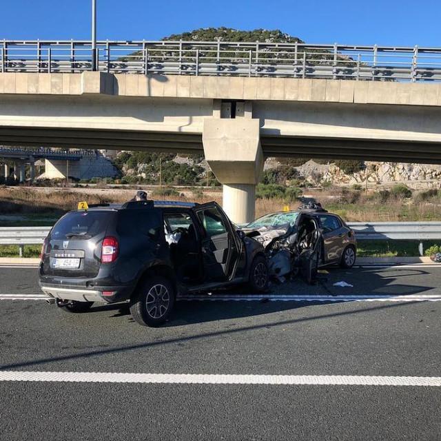 U teškoj prometnoj nesreći kod čvora Čeveljuša teško je ozlijeđena jedna osoba
