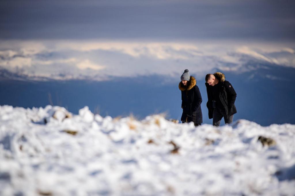 Na fotografiji: izletnici kod planinarskog doma na Svilaji (Ilustracija)