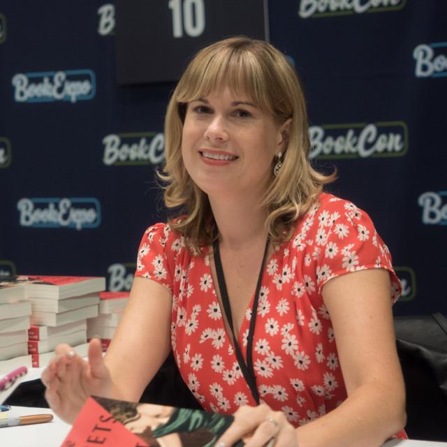 Lara Prescott<br />