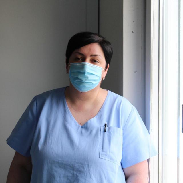 Medicinska sestra Jelena Vrtiprah radi na Intrernom odjelu hematološke dnevne bolnice