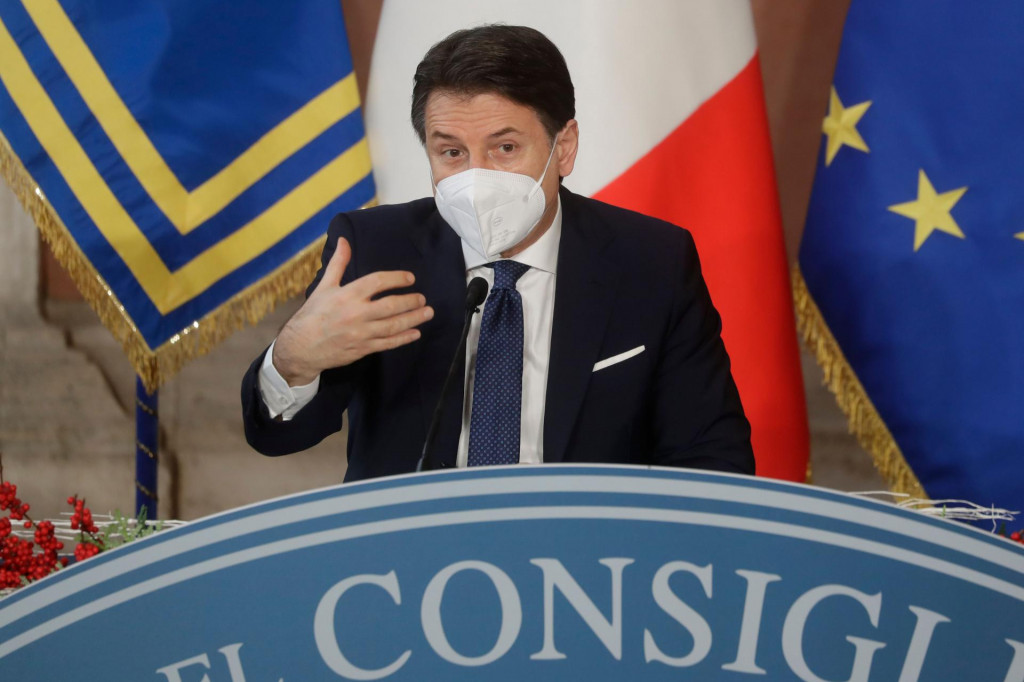 Premijer Giuseppe Conte u velikim je problemima