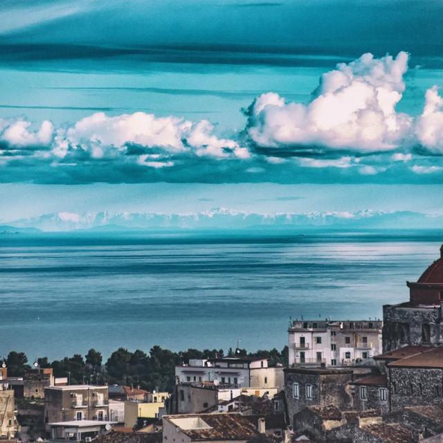 Pogled na Biokovo s talijanske obale