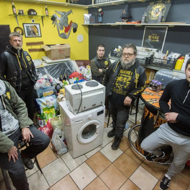 Članovi moto kluba Beštije šalju vec drugu turu paketa pomoci za potresom stradala podrucja Banovine