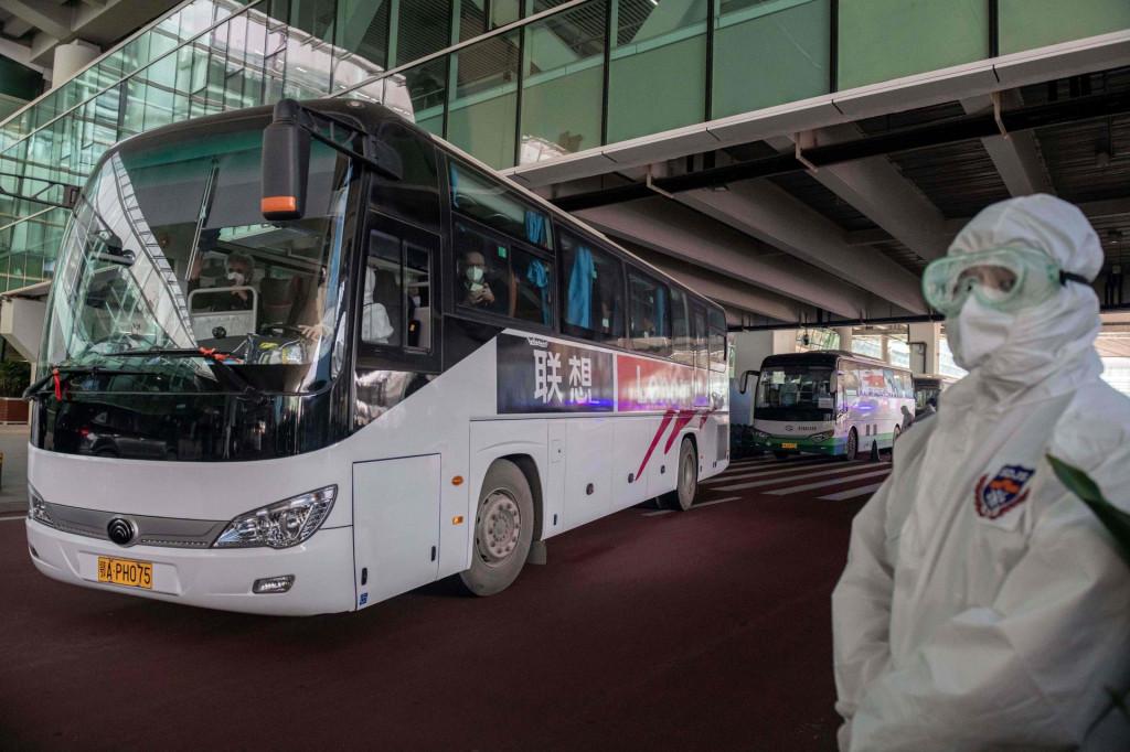 Autobus sa stručnjacima WHO-a stigao u Kinu