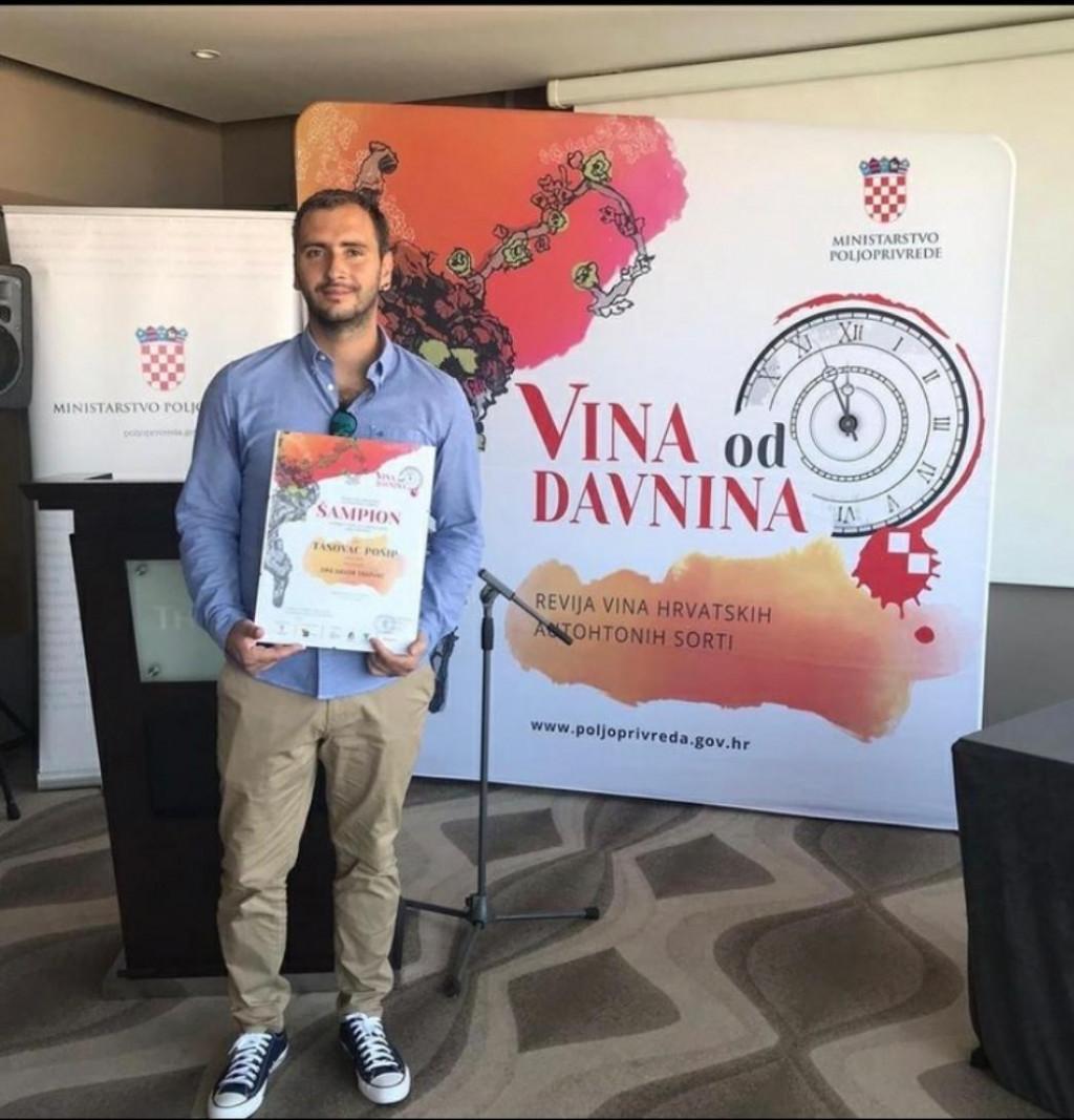 Davor Tasovac na dodjeli nagrada za šampiona regije Dalmacija