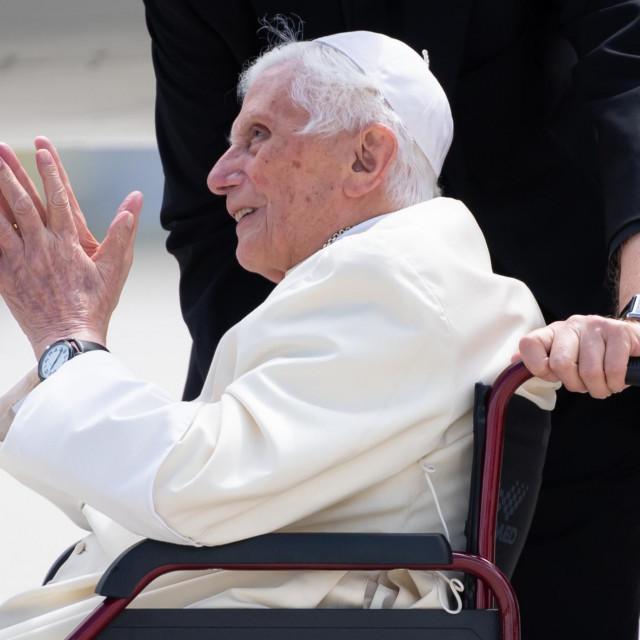 Benedict XVI. snimljen u lipnju prošle godine