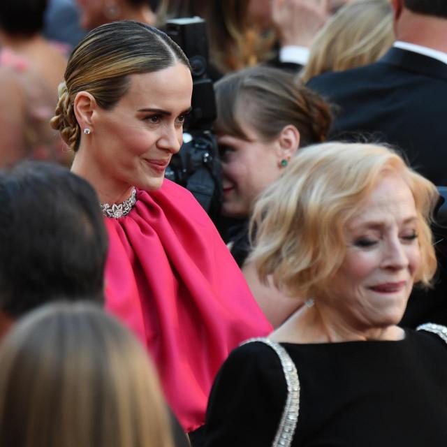 'Naša velika razlika u godinama mnoge šokira, no mene uzbuđuje': Sarah Paulson i Holland Taylor na dodjeli Oscara 2019. godine