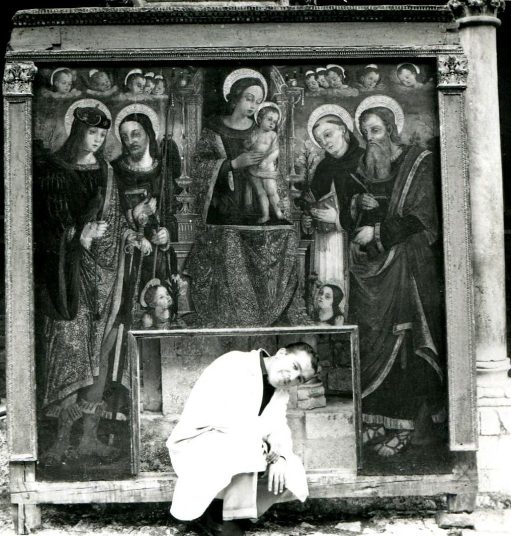 Filip Dobrošević u dominikanskom samostanu u Dubrovniku 1966., kada je radio na popravku pale obitelji Đorđić Nikole Božidarevića<br />