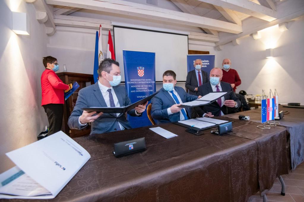 Potpisani ugovori za obnovu i modernizaciju luka