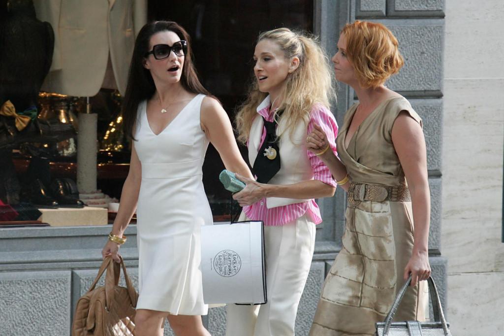 Radnja će pratiti ljubavne živote i prijateljstvo tri od nekadašnje četiri glavne junakinje u pedesetim godinama, što odgovara stvarnoj dobi glumica
