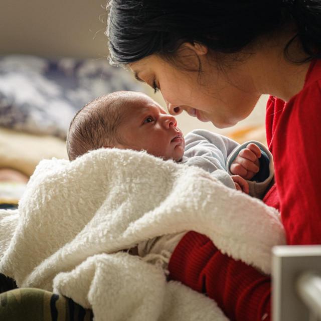 Nataša Lukić, mama prvorođenog djeteta u 2021. godini, sa sinčićem Darisom