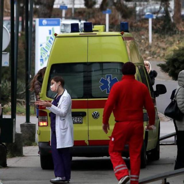 U nedjelju je u Hrvatskoj 28 osoba preminulo od Covida-19