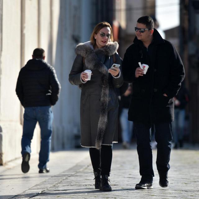 Zadrani zaposleni na Poluotoku pauze na poslu koriste kako bi popili kavu na osuncanom Forumu<br />