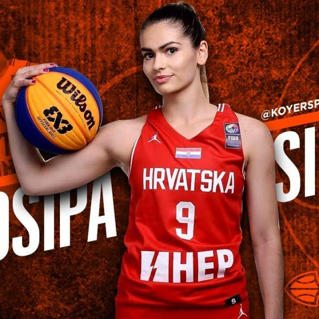Josipa Silov je 2019. igrala sa Splitom finale prvenstva Hrvatske, te nastupala za reprezentaciju