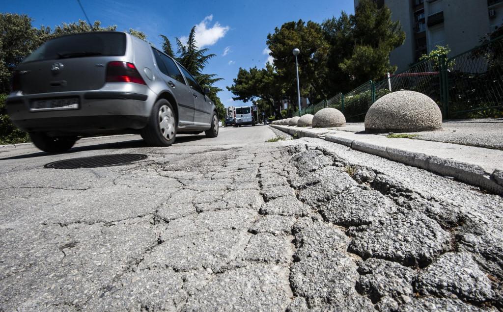 Katastrofalan asfalt na splitskim ulicama<br />