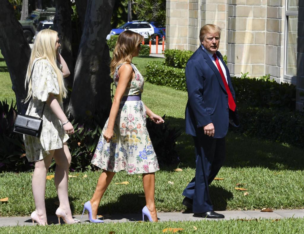 Trump sa suprugom Melanijom i kćerkom Tiffany za jednog od ranijih boravaka na Floridi - od danas će imati puno više vremena za obiteljska okupljanja