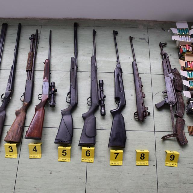 Arsenal oružja u Pločama<br />