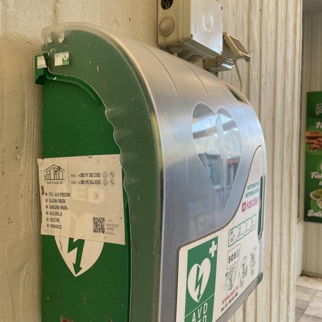 Automatski vanjski defibrilator (AVD) na Babinom kuku, u Dubrovniku
