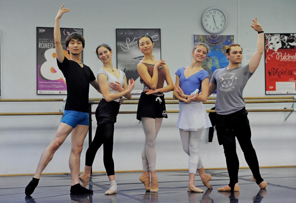 Yuto Mutai, Alexandra Smelyanskiy, Yezi Jung, Demelza Lesage i Isaiah Maness