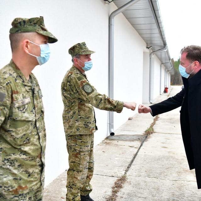 Ministar obrane se zahvalio pripadnicima Hrvatskog ratnog zrakoplovstva na doprinosu i predanom radu tijekom 2020. godine |