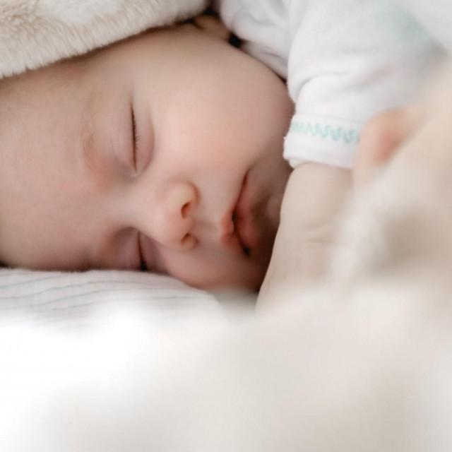 Tijekom 2020. roditeljima novorođenčadi isplaćeno je više od 2 milijuna kuna