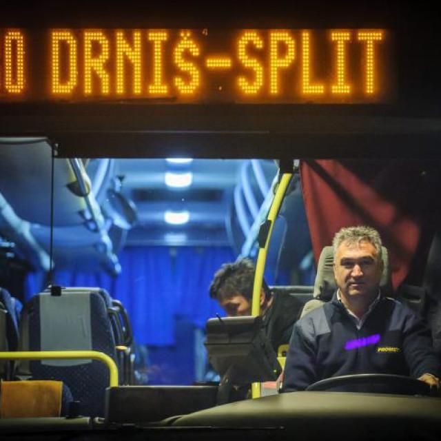 Prometov autobus koji vozi na relaciji Drniš-Split
