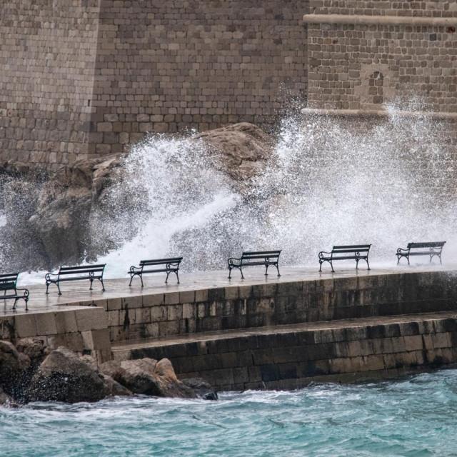 Subota u Dubrovniku u znaku je južine i valovitog mora