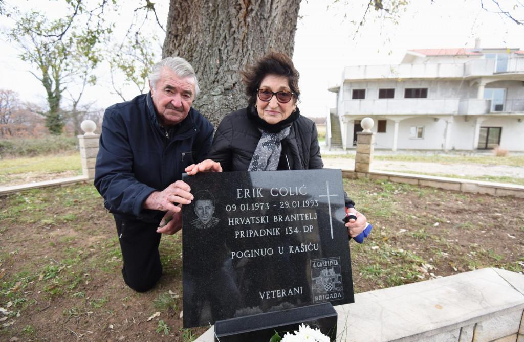 Jasna i Mladen Colić, majka i otac poginulog branitelja Erika Colića