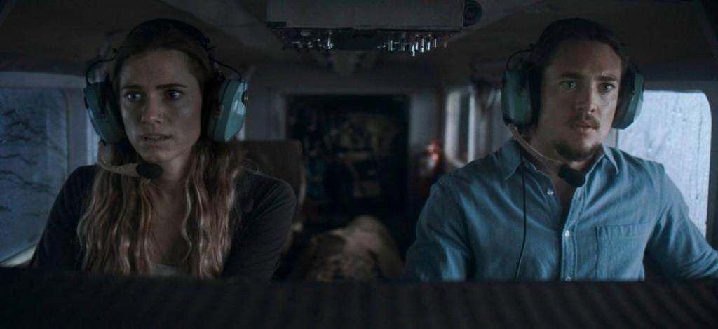 Glumci Allison Williams i Alexander Dreymon izgubljeni u pilotskoj kabini