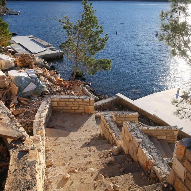 bespravna gradnja na Lastovu muči stanovnike otoka
