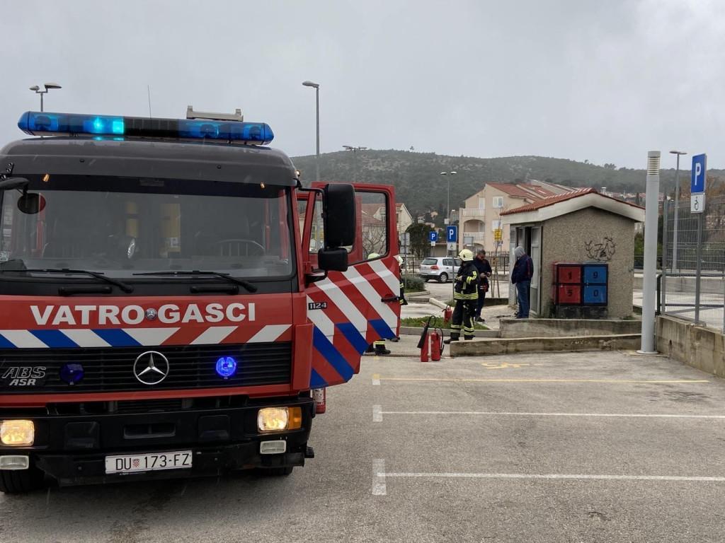 vatrogasci su u 13,3o h dobili dojavu o požaru na trafostanici u Župi dubrovačkoj