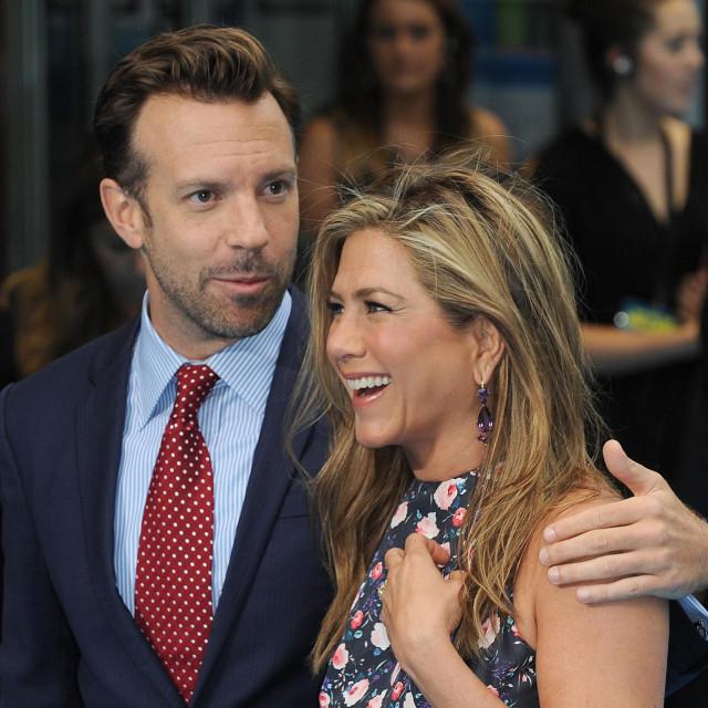 Jason Sudeikis i Jennifer Aniston na premijeri filma 'Obitelj Miller' u Londonu